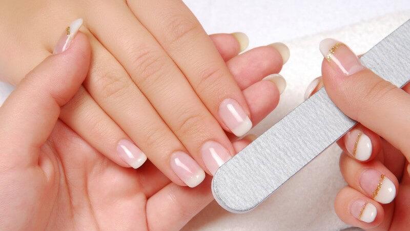 Wir stellen verschiedene Materialien vor, aus denen Nagelfeilen typischerweise bestehen