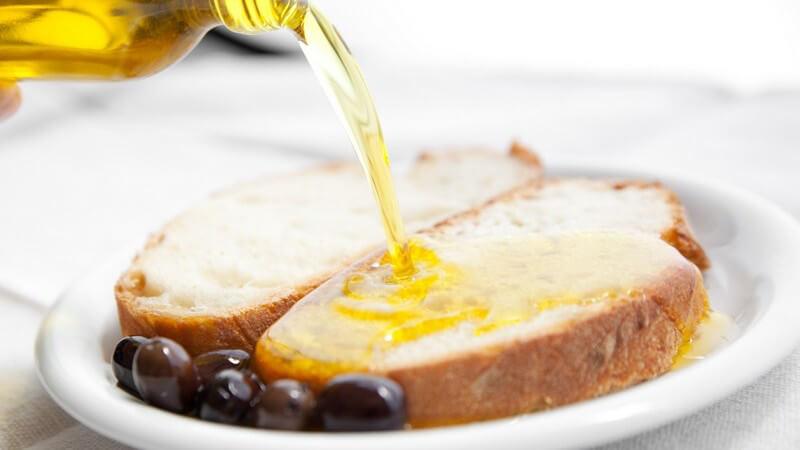 Gute Fette sind ein wichtiger Bestandteil einer gesunden Ernährung; ein Zuviel an falschen Fetten wiederum ist schädlich - wir zeigen, worauf es ankommt