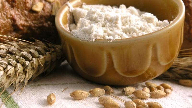 Wissenswerte Grundlagen der Low Carb-Diät und mögliche gesundheitliche Folgen eines Glutenverzichts ohne körperliche Notwendigkeit