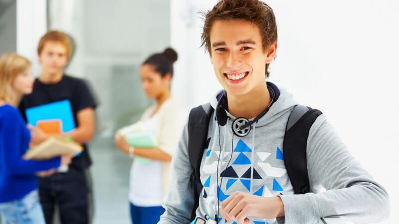 Über die Leistungsbeurteilung von Schülern und Tipps, wie man bei einem schlechten Zeugnis reagieren sollte