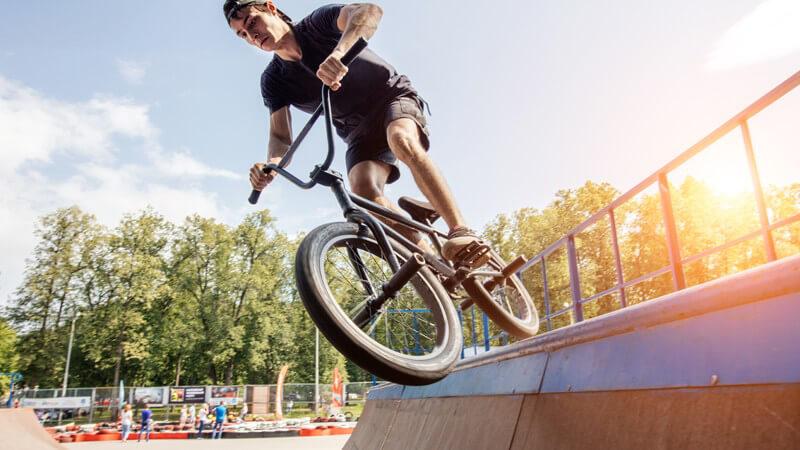Zwischen Rennen und Freestyle: Wissenswertes rund um die verschiedenen Disziplinen im BMX