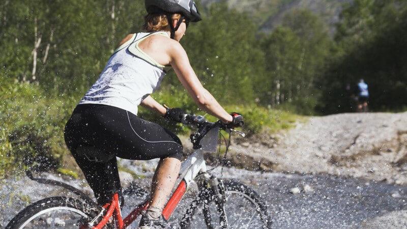 Besonderheiten des Downhills: Vermeidung von Gefahren durch Erfüllen bestimmter Anforderungen