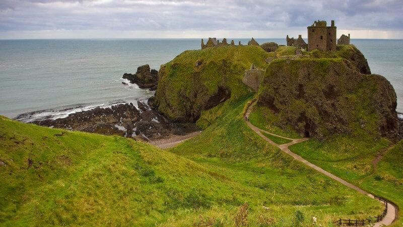 Mit der Bahn luxuriös durch Schottland reisen