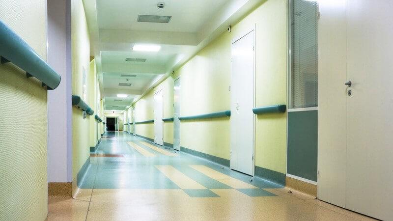 Untersuchungen und Behandlungen, die in Krankenhäusern durchgeführt werden