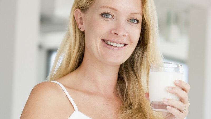 Mit der richtigen Vorsorge, Ernährung und Pflege erhalten Sie Ihre Mundhygiene, trotz Hormonschwankungen und Brechreiz