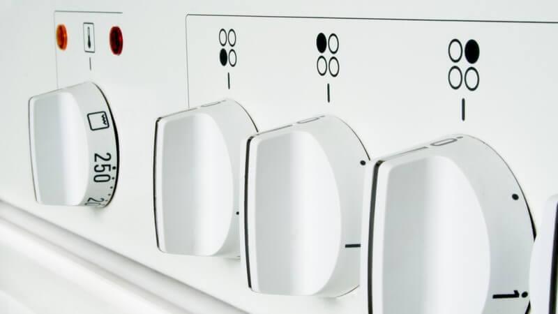 Informationen über Gasherd, Induktionsherd, Elektroherd (Ceranherd), Mikrowellenherd und Holzherd