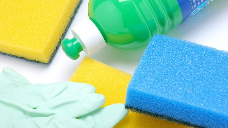 Hier erfahren Sie, wie Sie auch hartnäckige Verschmutzungen vom Geschirr entfernen