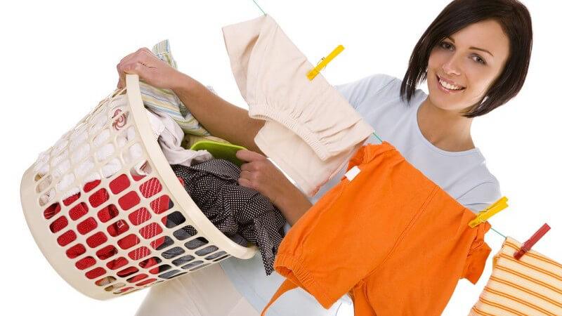 Flüssigwaschmittel, Pulver, Gel und Tücher - unterschiedliche Produktformen von Waschmitteln
