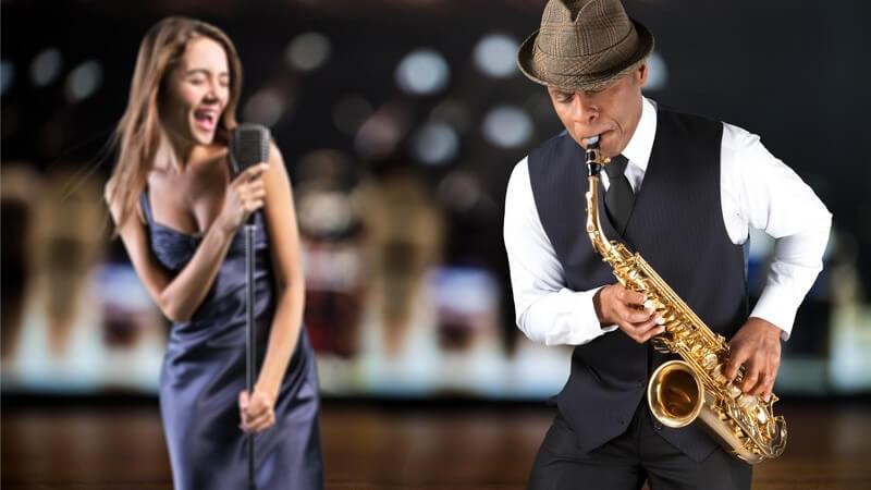 Den Abend im Jazzclub verbringen