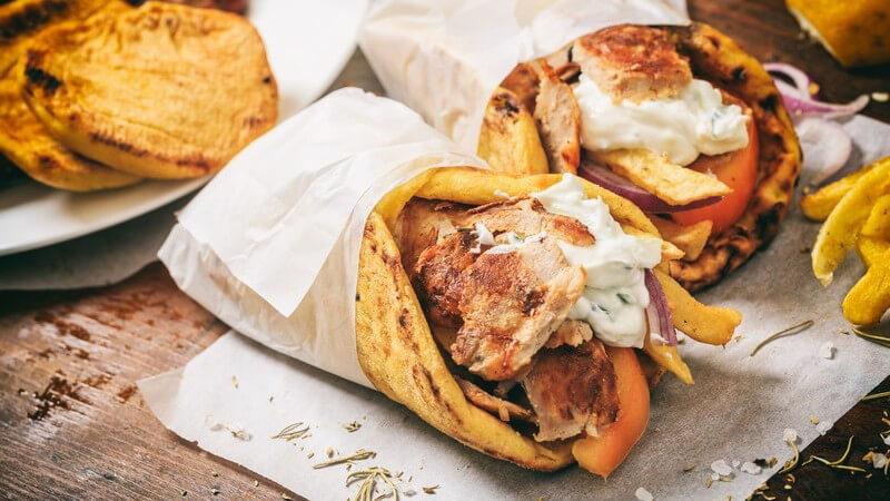 Nicht immer muss es der Gang zur Dönerbude sein - einen Döner Kebab kann man auch ganz einfach selbst machen