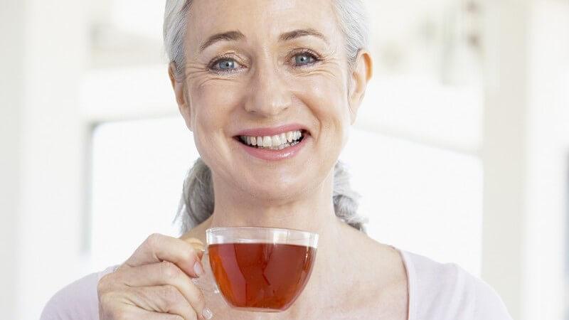 Tees unterscheiden sich hinsichtlich des Geschmacks, der Wirkung sowie der Zubereitung