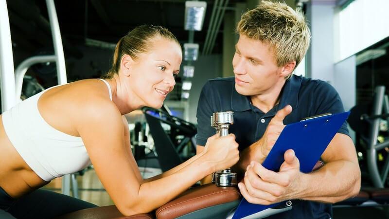 Karriere in der Fitnessbranche: Die Aufgaben eines Fitnesscoaches