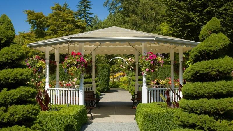 Ein botanischer Garten dient der Pflanzensammlung und gilt bei Naturfreunden als entspannendes und lehrreiches Ausflugsziel
