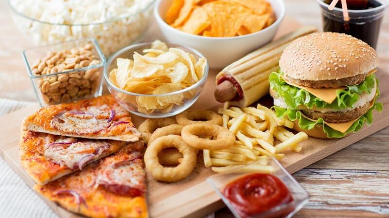 Junkfood muss nicht unbedingt ein Garant für Übergewicht sein - es kommt immer darauf an, welche Menge und welche Speisen man zu sich nimmt