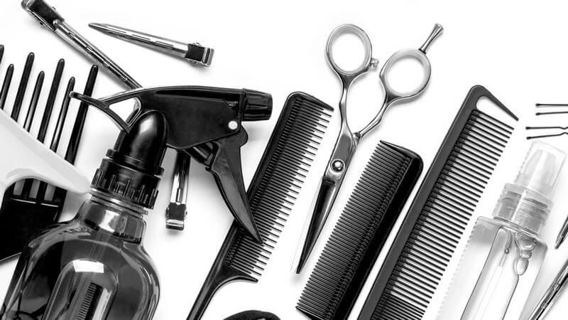 Wir erklären, wie Sie einen geeigneten Friseur finden, bei dem Sie sich wohlfühlen können