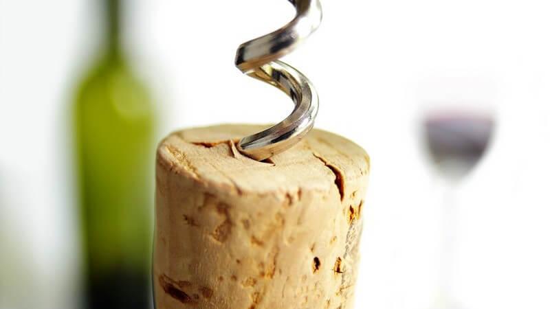 Egal, wie man den Korken aus der Flasche holt - Kraft ist dafür allemal notwendig
