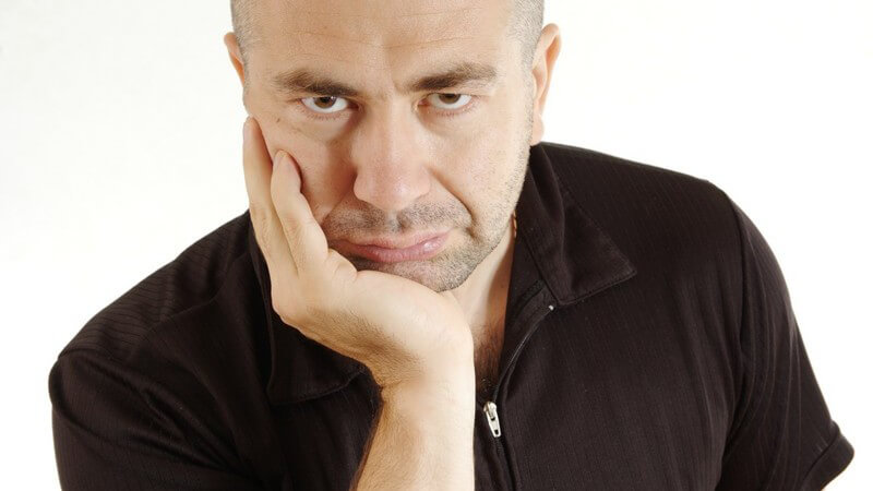 Wie man trotz Arbeitslosigkeit vermeidet, in ein tiefes Loch zu fallen