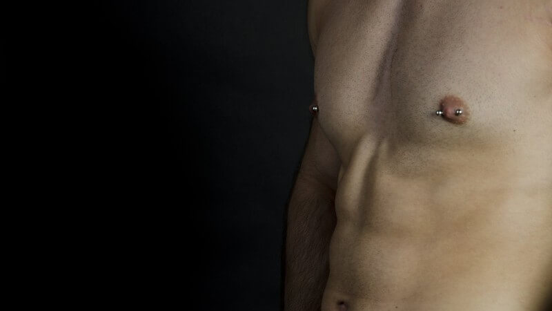 Nützliche Hinweise und Informationen vor und nach dem Durchstechen der Brustwarzen