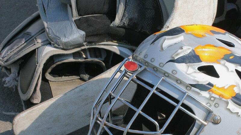 Wir verraten Ihnen, was zur Spielausrüstung gehört und wie das Regelwerk beim Einradhockey aussieht