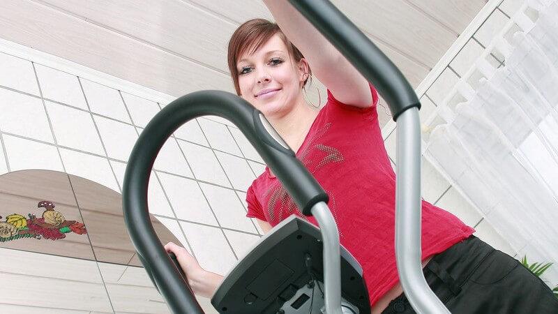 Training auf dem Heimtrainer - Effektives Workout zur Fettverbrennung