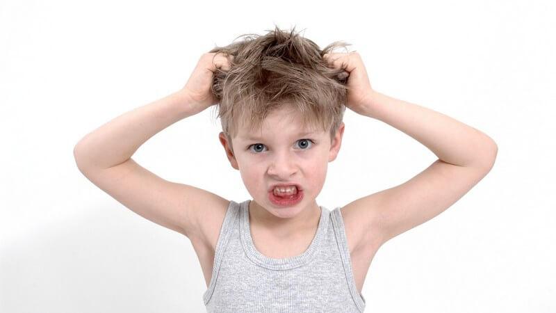 Tipps rund um das Schneiden der Kinderhaare, zu langen Haaren bei Mädchen und Jungen