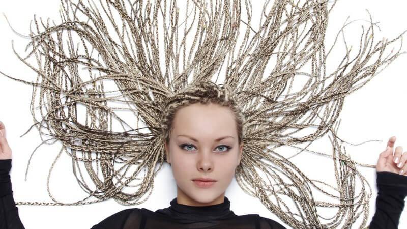 Wir erklären, welche Eigenschaften das Haar haben sollte, damit es sich gut für Dreadlocks eignet
