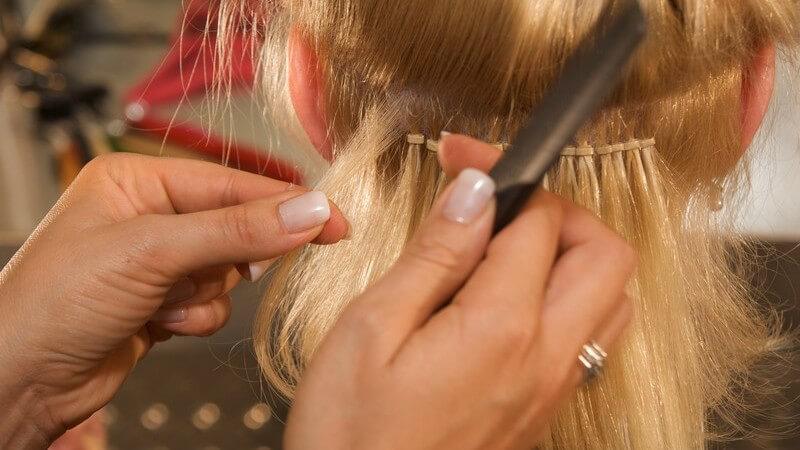 Wir erklären, welche Haarlänge und Haardichte für eine Haarverlängerung geeignet sind und mit welchen Preisen man bei einer Haarverlängerung rechnen muss
