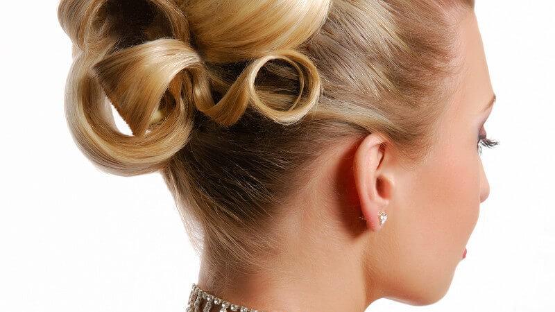 Wir erklären Unterschiede zwischen verschiedenen Haarlack-Typen und wie Sie Haarlack professionell und gezielt verwenden