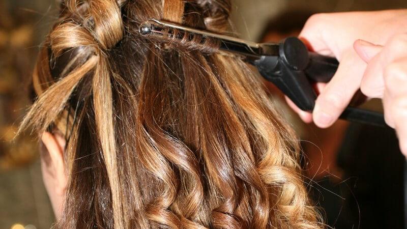 Tipps zur Anwendung eines Kreppeisens, zum Kauf eines Kreppeisens und dazu, für welchen Haartyp ein Kreppeisen geeignet ist