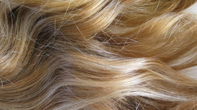 Wir erklären, welche Haarstruktur sich besser und welche sich weniger für die Verwendung von Lockenwicklern eignet