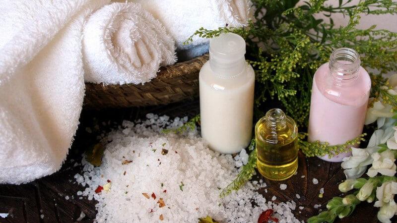 Geeignete Kräuter und Wirkstoffe für ein Erkältungsbad