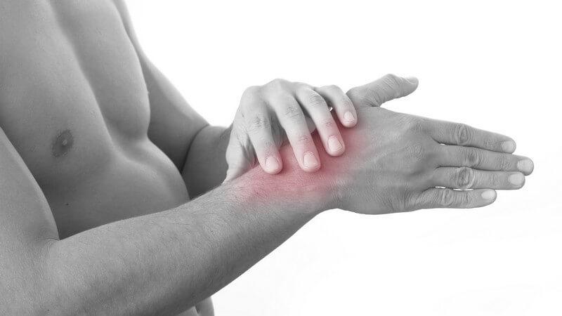 Die Radiocarpalarthrose entsteht durch Eigenerkrankungen des Handgelenks oder verschiedene Vorerkrankungen