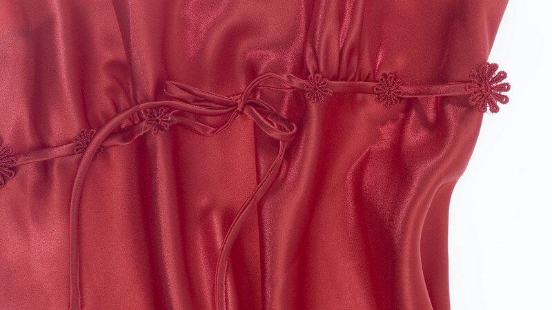 Nachthemden aus utnerschiedlichen Materialien sind eine der beliebtesten und bequemsten Varianten der Schlafbekleidung