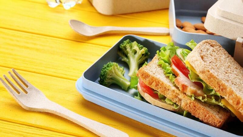 Wer Lust auf ein Sandwich hat, dabei aber auf seine Linie achten möchte, findet in diesem Artikel leckere, kalorienarme Rezeptideen