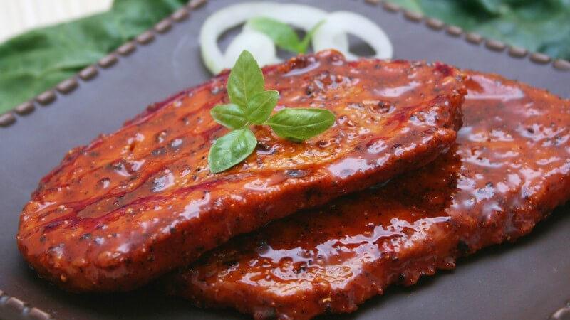 Wir stellen Ihnen leckere, ausgefallene Grillmarinaden für besonders würziges Grillfleisch und Gemüse vor
