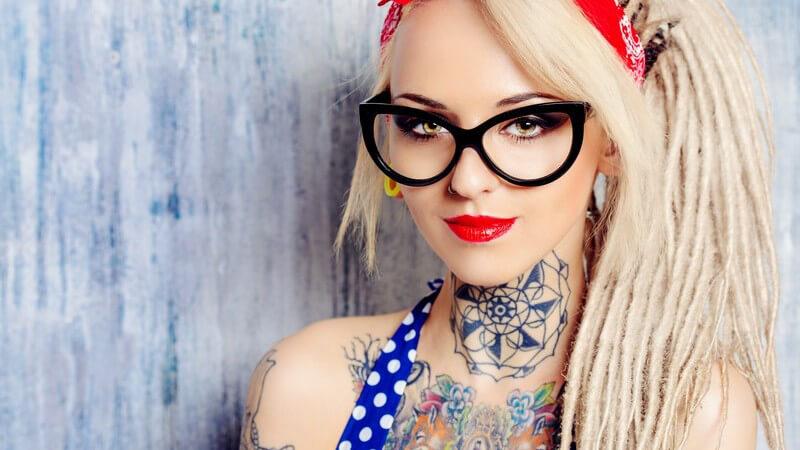 Tattoos, Piercings & Co - durch unterschiedliche Ausdrucksmöglichkeiten kann sich ein Mensch über den Körper definieren; welche Arten des Bodystylings es gibt, erfahren Sie hier