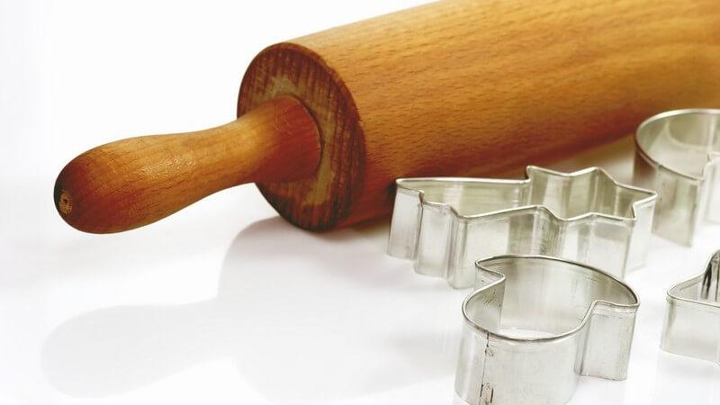 Es sollte beachtet werden, dass Nudelhölzer aus Holz nicht in die Spülmaschine gegeben werden können