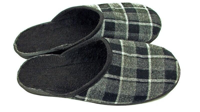 Straßenschuhe aus - im Haus Schuhe tragen oder doch lieber bequem in Socken herumlaufen?