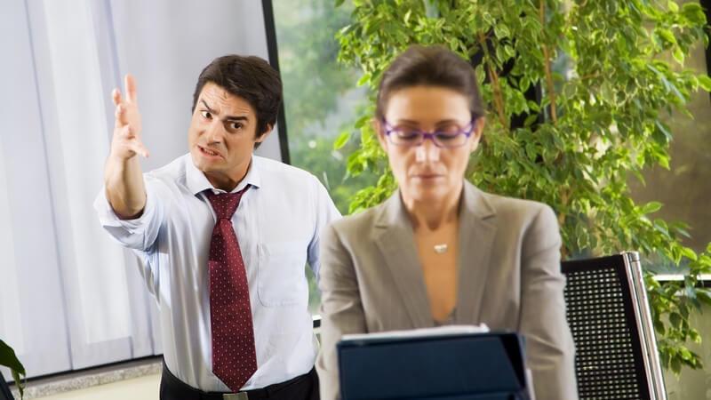 Regelungen durch das Arbeitszeit-Gesetz: Überstunden dürfen lediglich einen vorübergehender Zustand darstellen