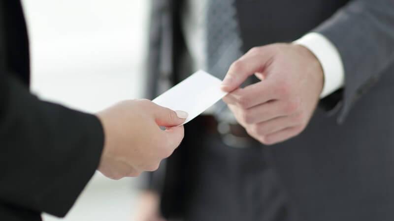 Kontaktaufnahme und Professionalität - Über den Nutzen von Visitenkarten