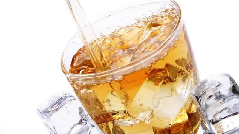 Mixgetränke aus Energydrinks und Alkohol