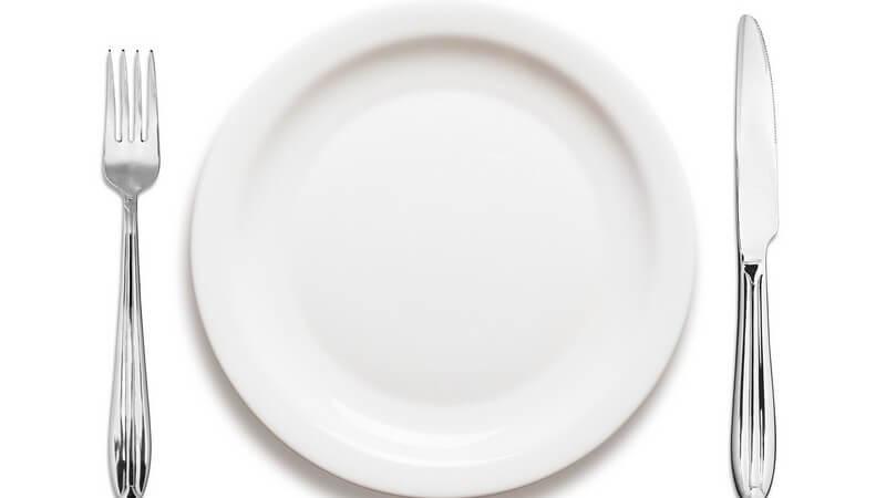 Neben den Tellern, von denen man diverse Speisen isst, gibt es auch noch solche, die der Aufbewahrung oder dem Servieren dienen