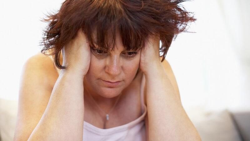 Man vermutet genetische Faktoren oder auch eine verminderte LDL-Rezeptorendichte als Ursache