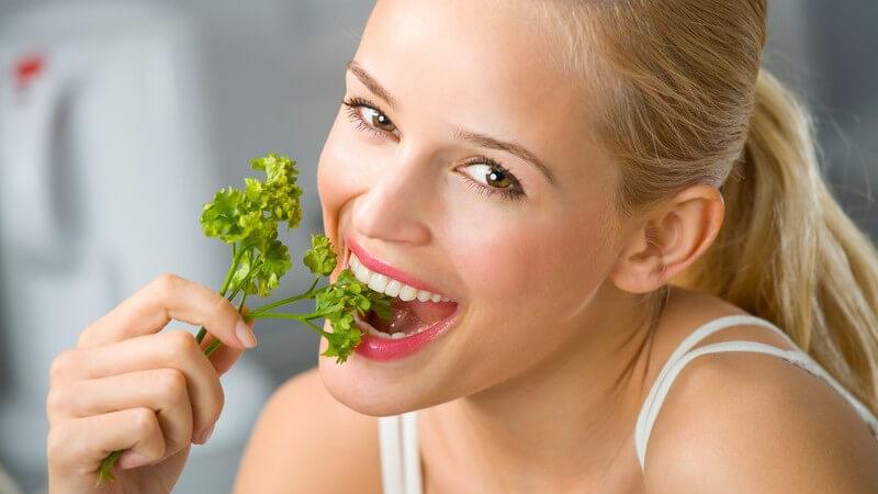 Neben den gängigen Blatt-, Nudel- oder Kartoffelsalaten gibt es eine Vielzahl besonderer Formen, die mitunter in Sachen Gesundheit ordentlich glänzen können
