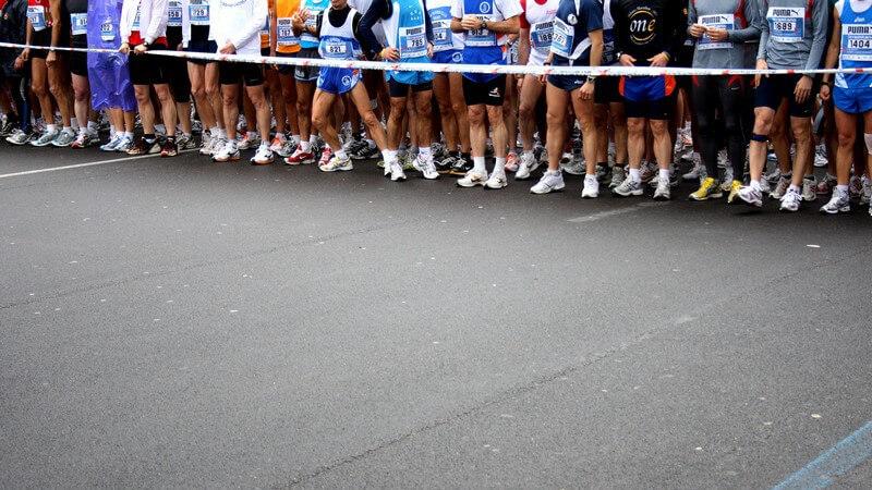 Mit dem Training für einen Lauf sollte rechtzeitig begonnen werden - auch regelmäßige Erholungsphasen sind für den Erfolg sehr wichtig