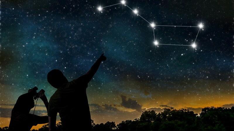 Die Astrologie beschäftigt sich mit dem Zusammenhang von astronomischen Ereignissen und irdischen Vorgängen - besondere Bedeutung kommt den Sternzeichen zu