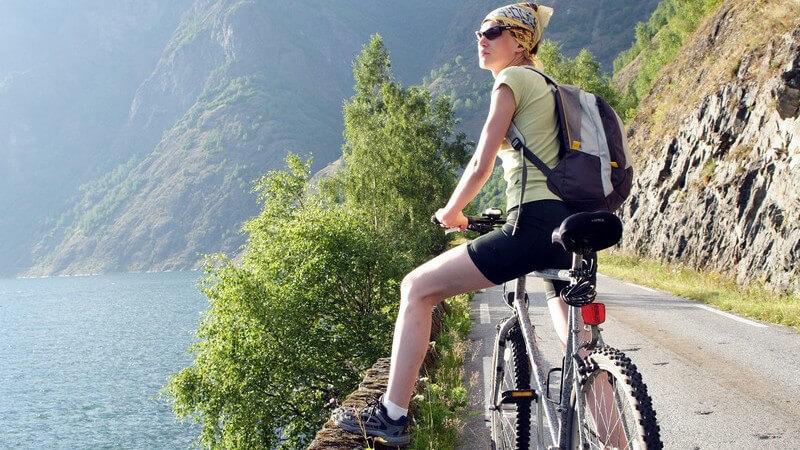 Die Unterschiede eines Trekkingrads zum Mountainbike und Rennrad