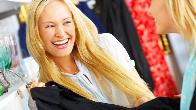 """Was im Sommer 2011 """"en vogue"""" ist und wie man die Vielfalt der Blusen dahingehend modisch kombiniert"""