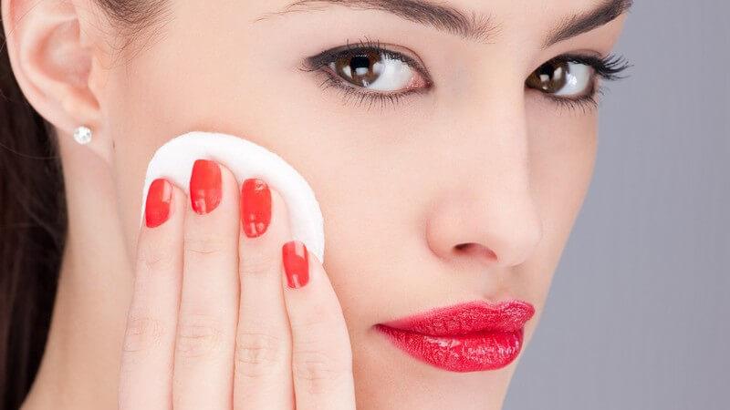 Wie Sie Rouge- und Puderpinsel richtig einsetzen oder mit praktischen Alternativen Ihr Gesicht perfekt in Szene setzen