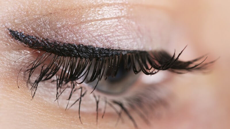 Wie eine Wimpernwelle funktioniert, Für wen sich die Wimpernwelle eignet und Hinweise zur Anwendung
